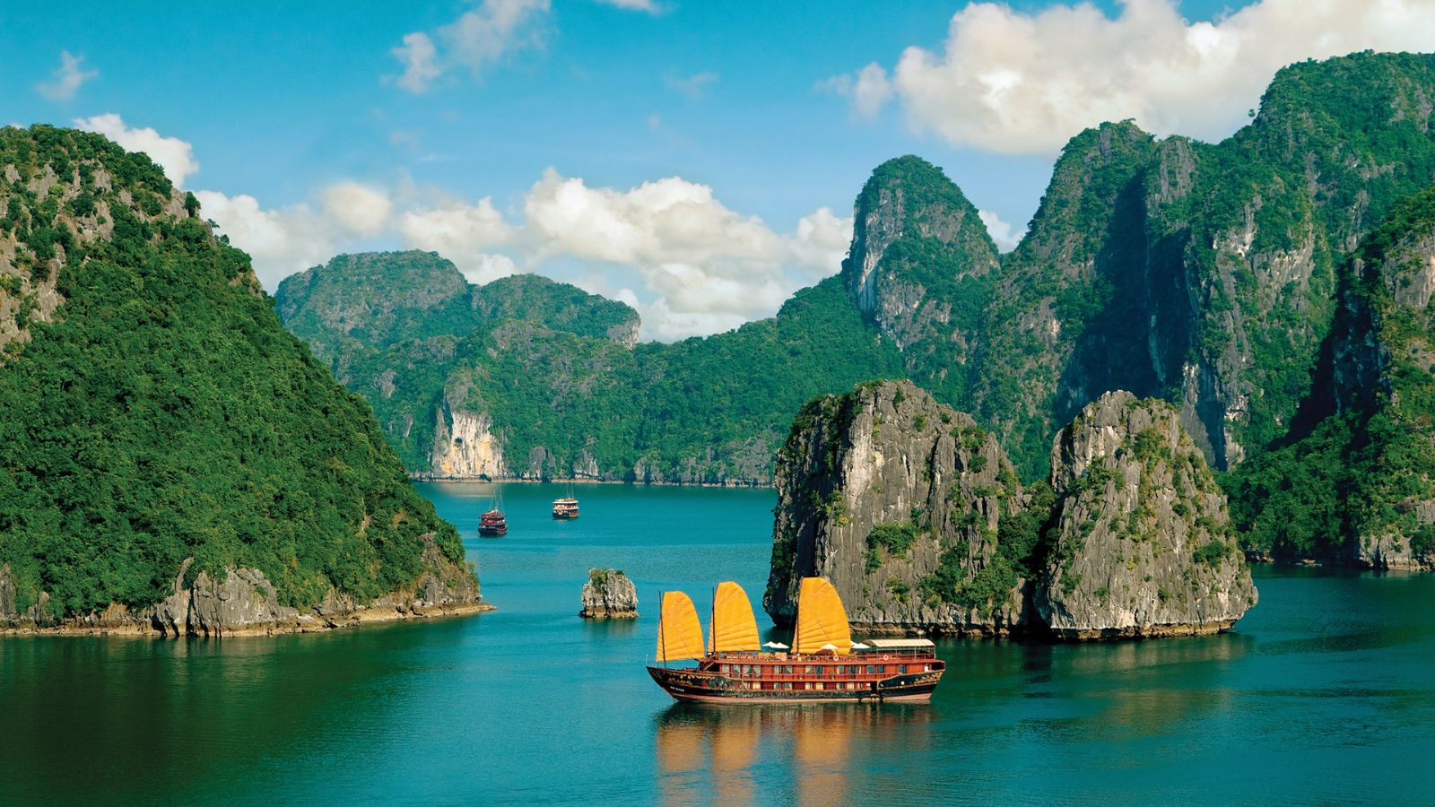 ALOVA PREMIUM CRUISES - HALONG BAY 1 DAY TOUR ~ Halong